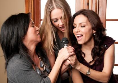 singers singing high notes